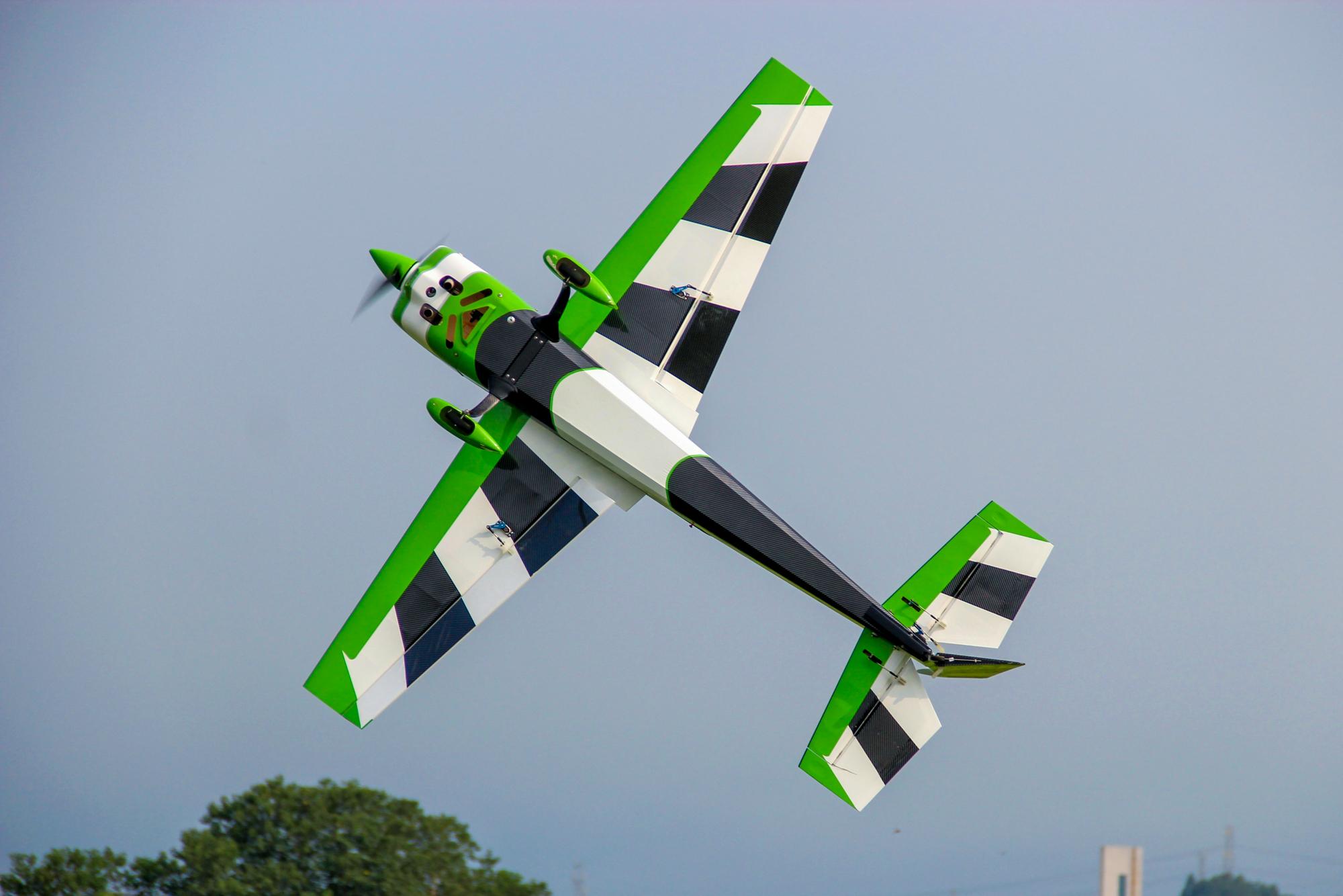 Extra NG 90″ Pilot RC