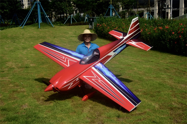 Edge 540 V3 104' Sky wing RC